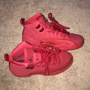 Size 5 red 12s